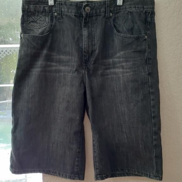 Ecko Unlimited Other - Ecko Unlimited charcoal denim shorts men's size 36